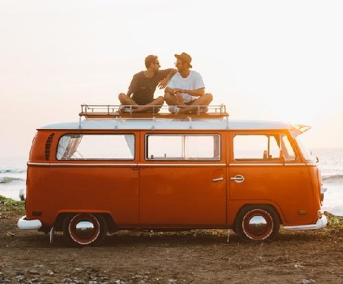 Peut-on monter et marcher sur le toit d'un camping-car ?